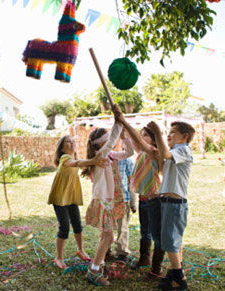 kids playing pinata