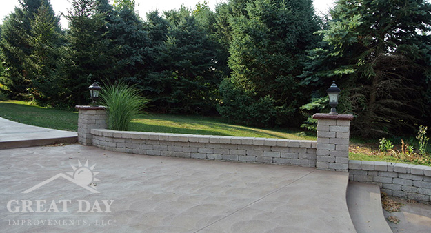 Milwaukee concrete patio design